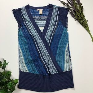 DKNY Blue Short Sleeve Sweater. Size M